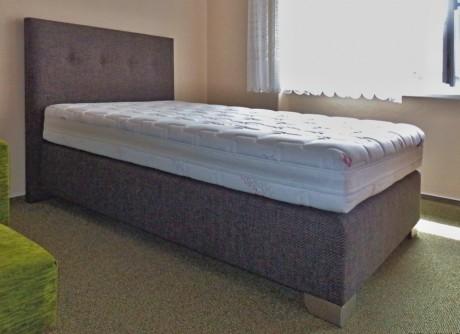 postele matrace plze na e nab dka galerie od z kazn k boxspring 120x200. Black Bedroom Furniture Sets. Home Design Ideas